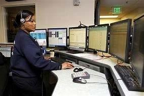 Dispatcher in front of screens
